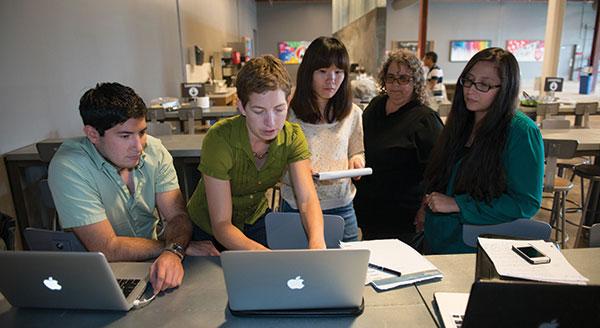 gsb-mba-students-workshop-lab