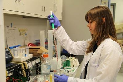 Student researcher Ewa Nowara